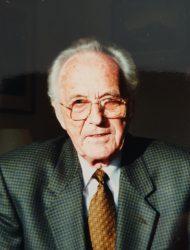 Dr Wilfried Stahr